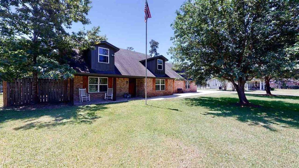 419 W Pineshadows Dr Sour Lake, TX 77659