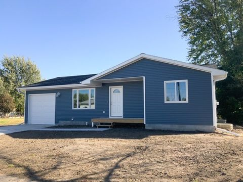 Photo of 617 3rd St, Gibbon, NE 68840