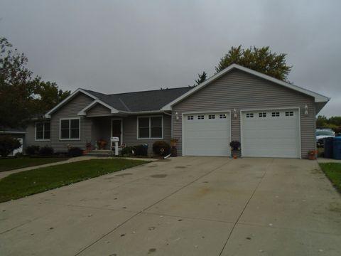 Photo of 408 17th St, Mendota, IL 61342