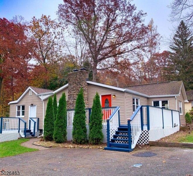 3 Lawrence Trl Washington Township, NJ 07853