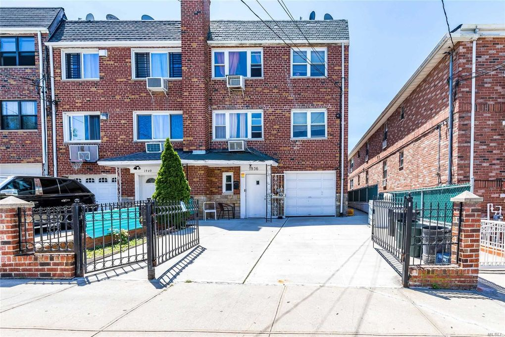 19-36 77th St East Elmhurst, NY 11370