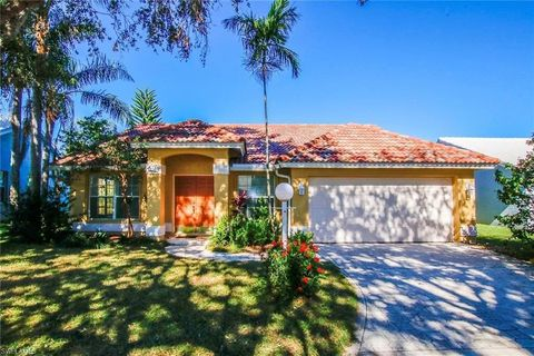 Photo of 12691 Eagle Pointe Cir, Fort Myers, FL 33913