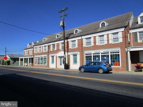 Photo of 385 E King St, Strasburg, VA 22657