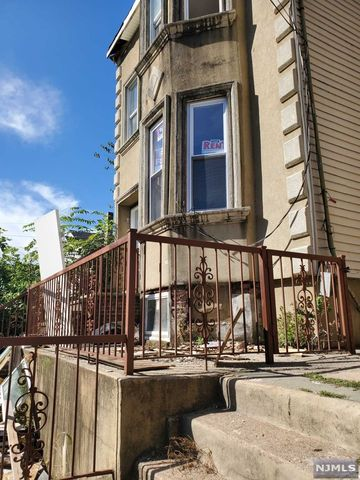 Photo of 52 Bergen St, Paterson, NJ 07522