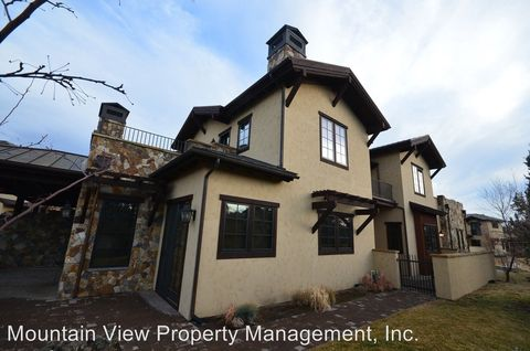 Photo of 65670 Swallows Nest Ln, Bend, OR 97701
