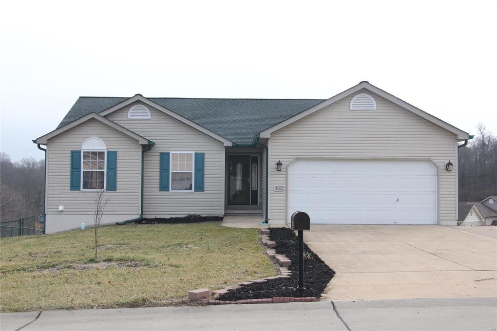 454 Pevely Heights Dr Pevely, MO 63070