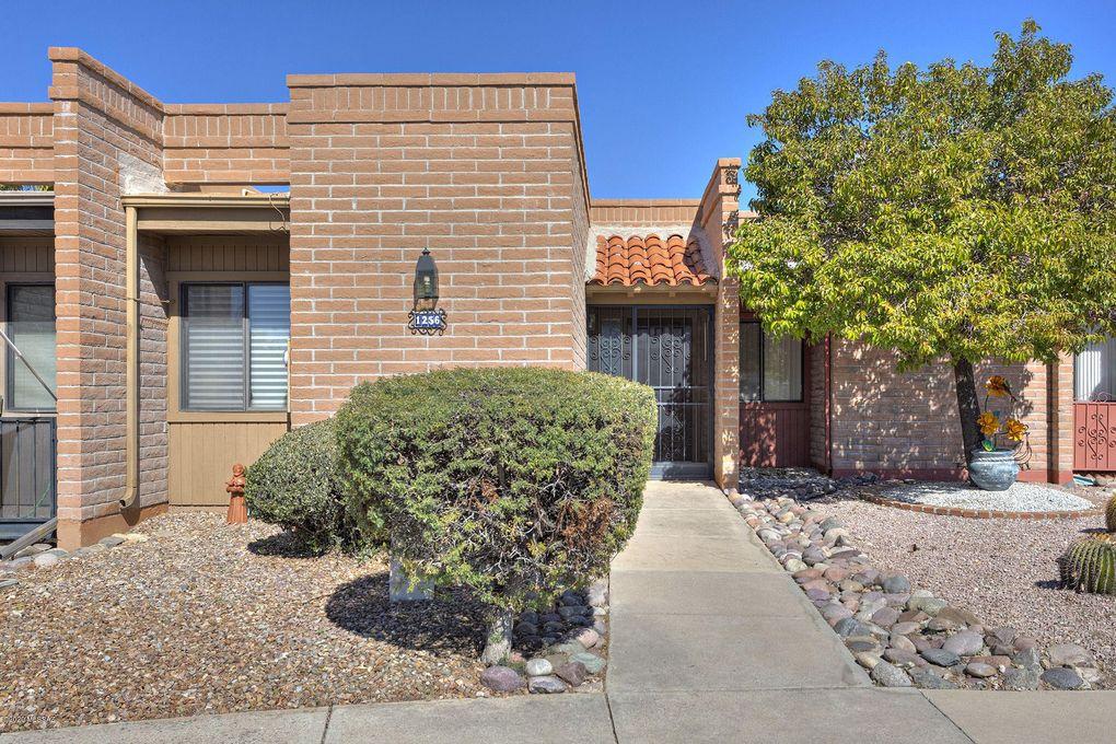 1256 W Desert Hills Dr Green Valley, AZ 85622