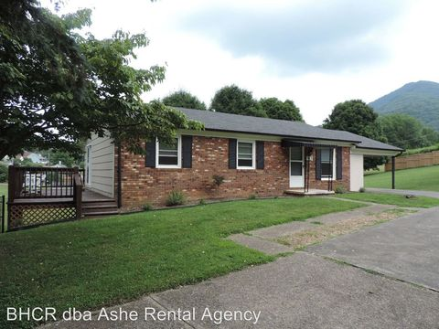 Photo of 313 Mc Connell St, Jefferson, NC 28640