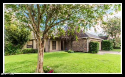Photo of 109 Devon Way, Youngsville, LA 70592