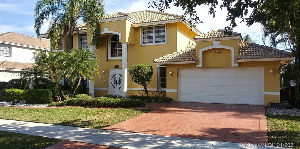 930 Greenbriar Ave Davie, FL 33325