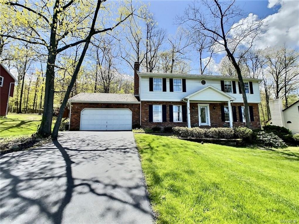 55 Independence Dr Orchard Park, NY 14127