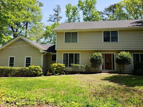 Photo of 370 Woodstone Dr, Marietta, GA 30068