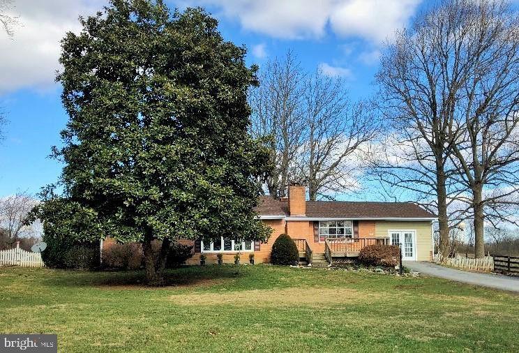 211 Smallwood Ln Berryville, VA 22611