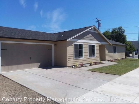 Photo of 1802 Aster St, Medford, OR 97501