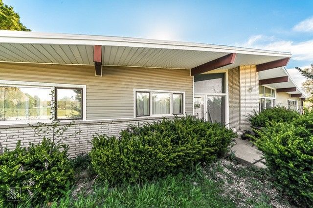 15601 108th Ave Orland Park, IL 60467