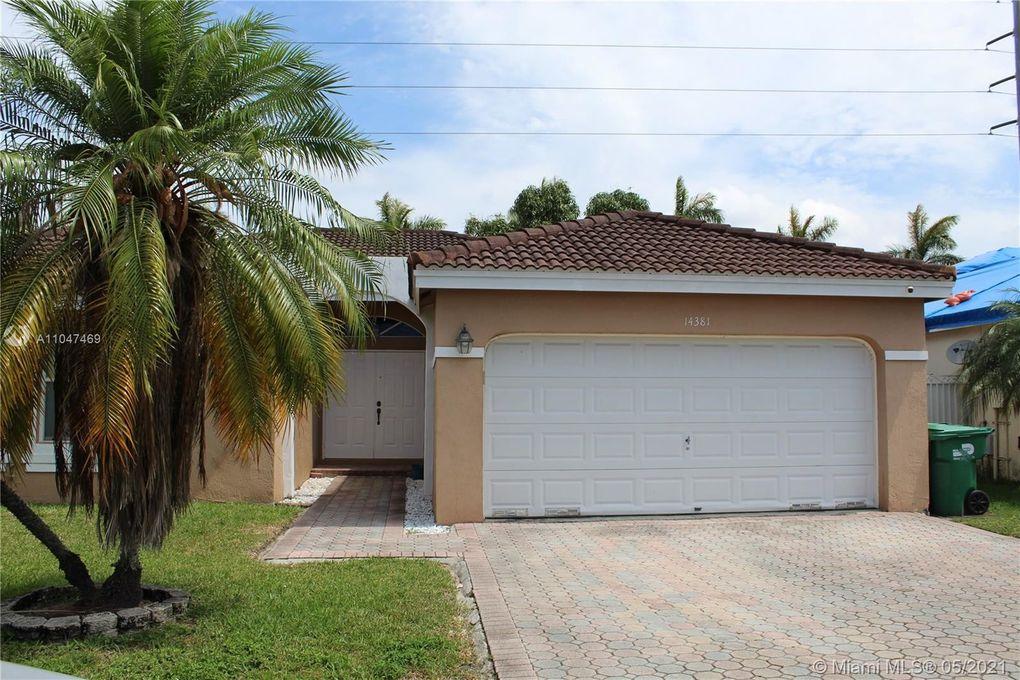 14381 SW 160th Ter Miami, FL 33177