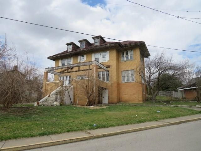 487 Harmony Ave Rochester, PA 15074