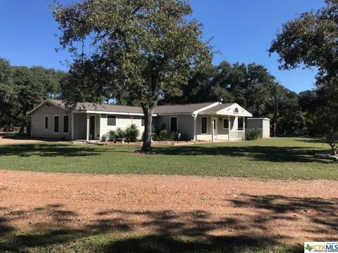 Photo of 863 County Road 439, Yoakum, TX 77995