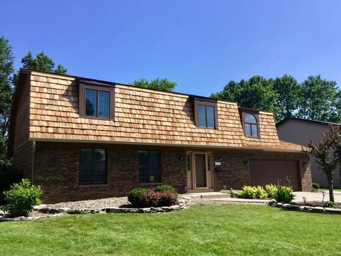 Photo of 1139 Bluebird Dr, Munster, IN 46321