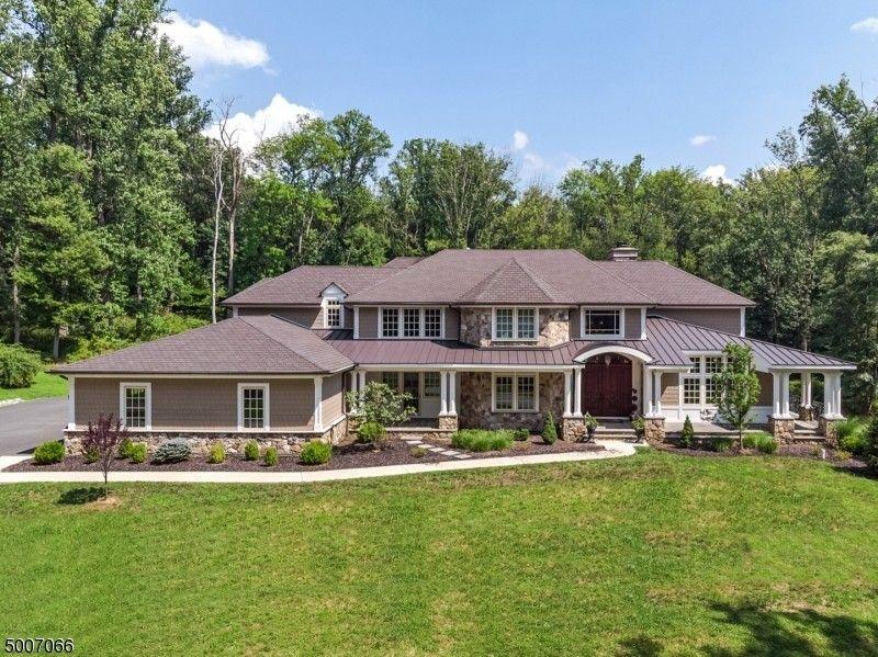 41 Oak Knoll Rd Mendham Township, NJ 07945